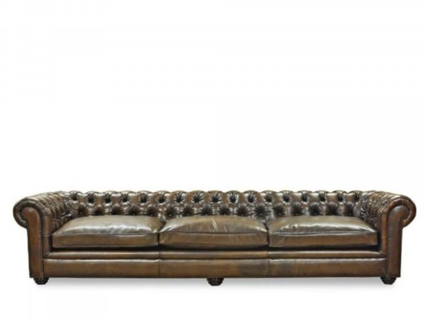 großes Chesterfield Style Sofa als 4-Sitzer